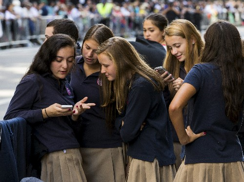 Teens are beating Apple's Screen Time feature with workarounds - Business Insider