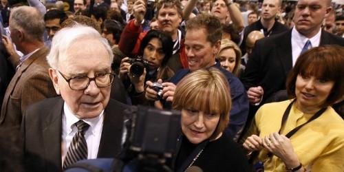 Warren Buffett's Best Productivity Hack Is A Simple 2-List System