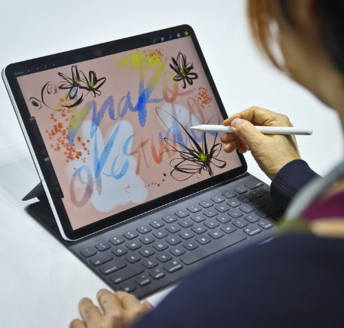 Apple's newest iPad Pro tablet is its most powerful yet, but it will never replace my laptop until Apple makes these four changes