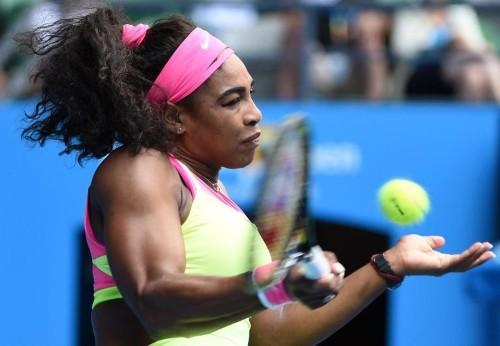 Serena, Sharapova on course for Australian Open showdown