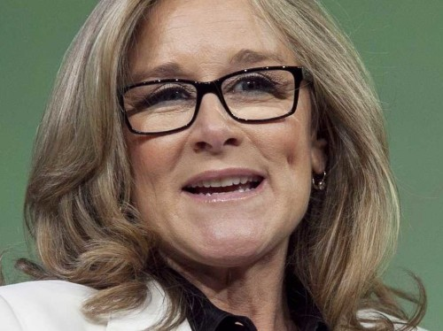 Angela Ahrendts just sent all Apple Store employees a 'confidential' video explaining the best, quickest way to get an Apple Watch