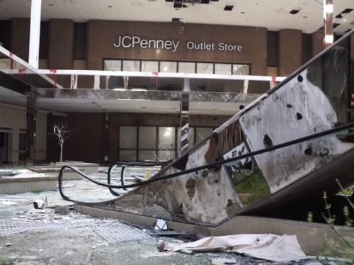 Filmmaker of dead malls reveals all the strange sights he's seen