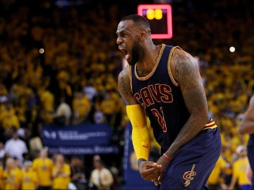 Samsung's most famous endorser Lebron James gave Apple Watches to his team to show appreciation