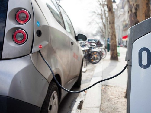 Silicon Valley Doesn't Have Enough Electric Vehicle-Charging Stations, And Drivers Are Freaking Out