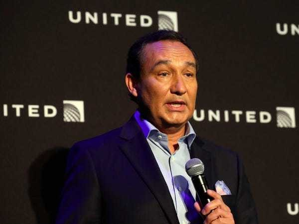 United CEO Oscar Munoz stepping down, to be replaced by Scott Kirby - Business Insider