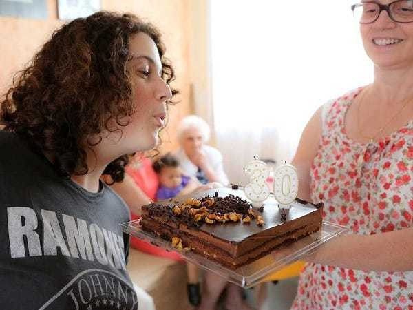 Happy Birthday lawsuit plaintiff Jennifer Nelson wins - Business Insider