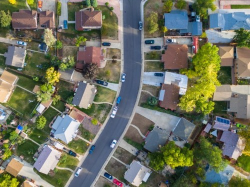 How to tell whether you should prioritize paying down your mortgage or investing