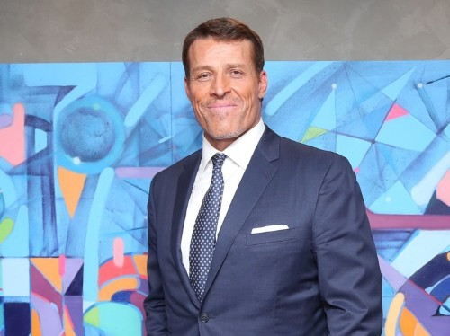7 things Tony Robbins says you should do with your money
