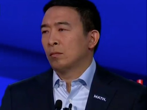 Andrew Yang trades usual American flag lapel pin for 'math' pin - Business Insider