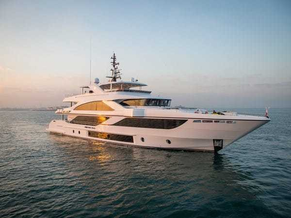 Majesty 140: Best yacht at the Fort Lauderdale International Boat Show - Business Insider