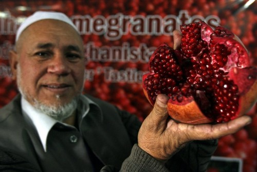 Here are all the health benefits you get from drinking pomegranate juice
