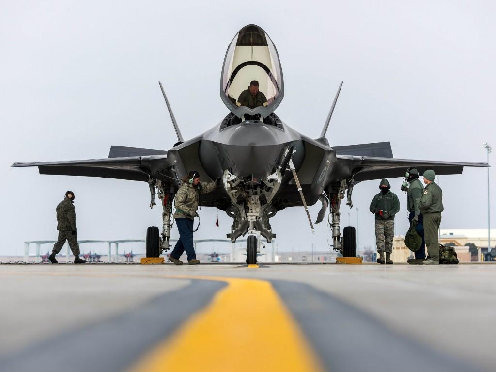 F-35 - Magazine cover