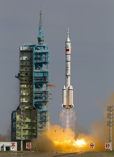 Here's why NASA won't work with China to explore space
