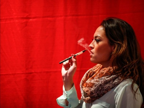 A mysterious lung disease linked to vaping is baffling doctors