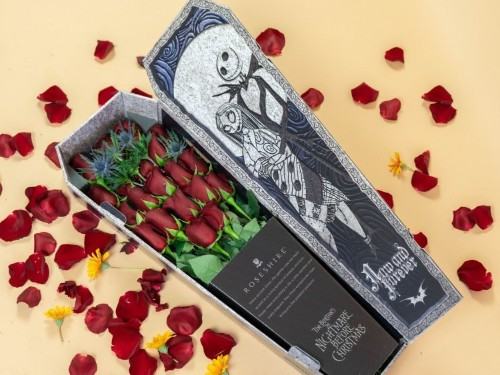 The best Disney-themed bouquets you can buy, from villains to princes