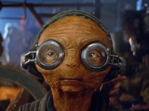 A deleted scene from 'Star Wars: The Force Awakens' reveals a new character's awesome power