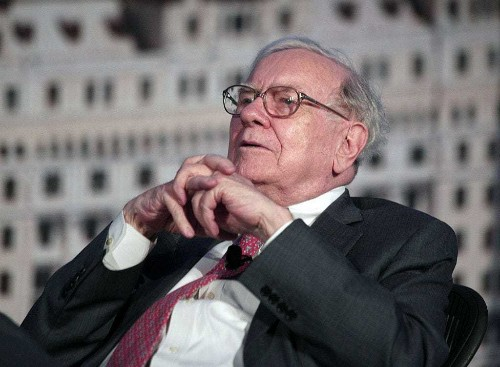 Warren Buffett may be getting ready to pounce on more Apple shares (AAPL)