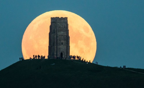 We're about to see the biggest supermoon in nearly 70 years
