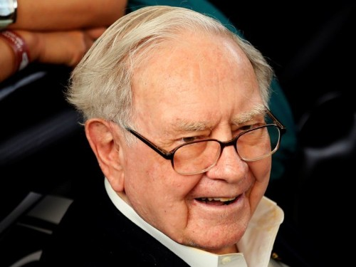 Warren Buffett's personal pilot reveals the incredible prioritization method the billionaire taught him