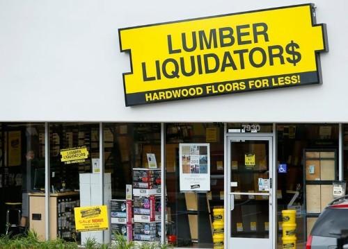 Home improvement contractors are telling customers to avoid Lumber Liquidators