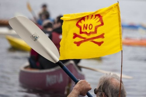 'Paddle in Seattle' protesters condemn Artic drilling
