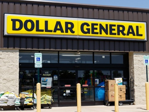 Dollar General bring FedEx services to 8,000 stores, takes on Walmart