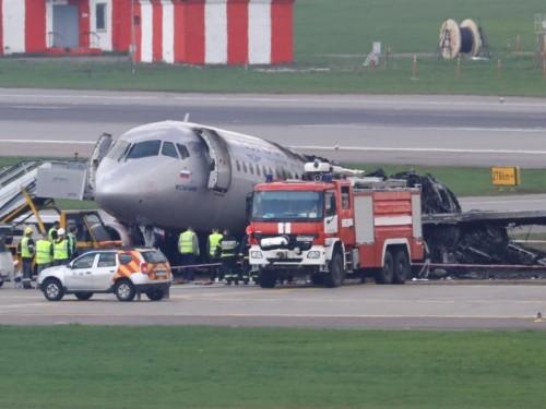 Russia plane crash Aeroflot Flight SU1492 emergency landing timeline