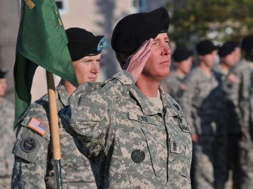 Why effective managers act like military leaders