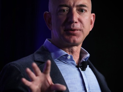 Amazon's abrupt escape from New York won't hurt its business one bit, say analysts