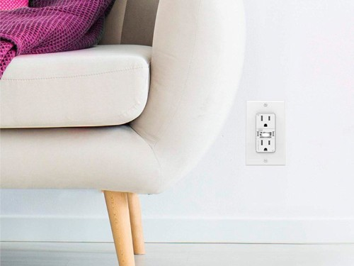 Swidget Customizable Outlet review: smart adaptable outlet