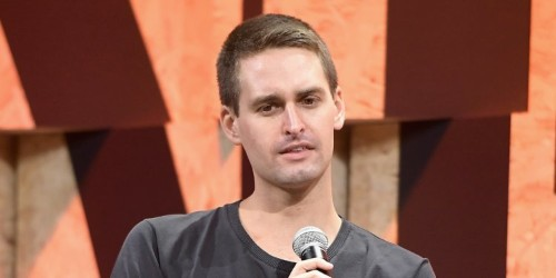 Snap is giving an Amazon exec $20 million in stock to replace its CFO one week after reporting disastrous earnings