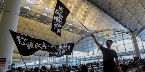 Video: Hong Kong protesters sing 'Les Misérables' freedom song at airport