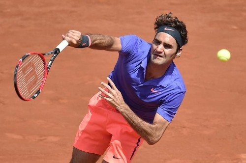 Federer, Sharapova take French Open centre stage