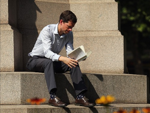 Tech chiefs on the top books future CTOs, CDOs, and CIOs should read - Business Insider