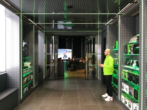We compared Apple and Microsoft's flagship stores in London — and the winner was clear