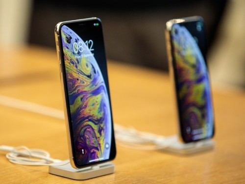 Here's how Apple's $1,000 iPhone XS compares to the iPhone X