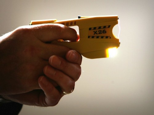 Supreme Court rules that stun guns are protected by the 2nd Amendment