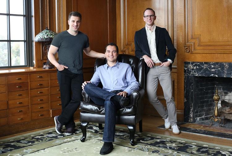 Startups Raising - cover