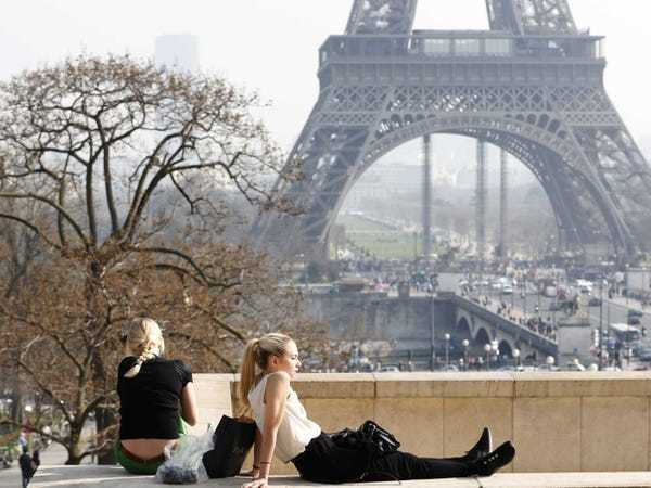 Look Around Paris In August And You'll See Why The French Succeed At Life - Business Insider