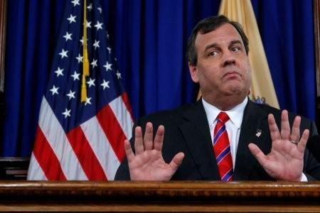 Chris Christie: Getting Russian opposition research 'probably' illegal