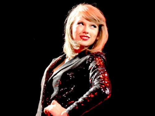 Taylor Swift is on pace to make $365 million this year — more than Jay Z, Diddy, and Drake combined