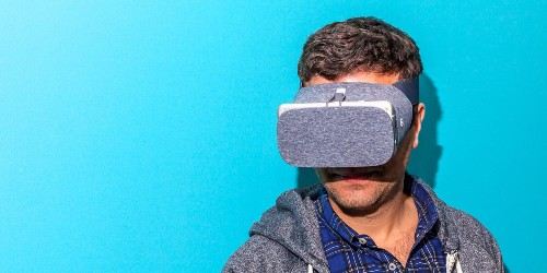 Google discontinues Daydream virtual reality, stops selling View headset - Business Insider