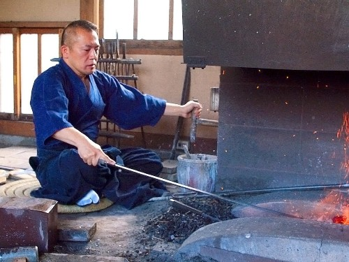 Why Japanese katana swords are so expensive and take 18 months to make - Business Insider