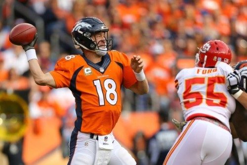 Peyton Manning breaks NFL's all-time passing yardage record