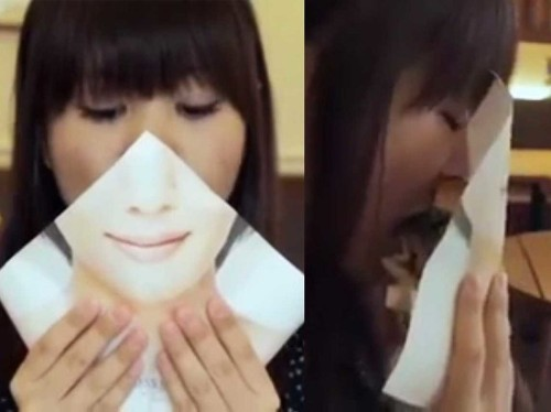 A Japanese Fast Food Chain Invented A Wrapper To Help Women Feel Comfortable Chomping Into A Burger