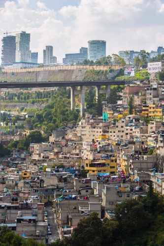 A drone captured these shocking photos of inequality in Mexico's biggest city
