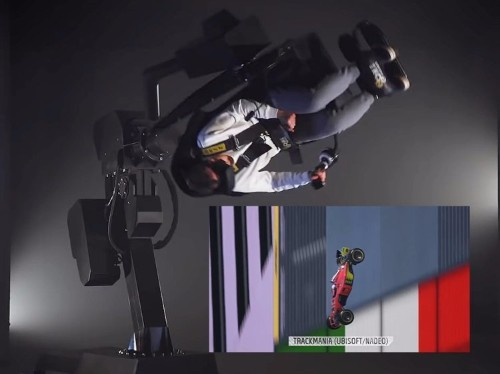 This giant VR gaming chair spins 360 degrees so you feel like you're in the game - Business Insider