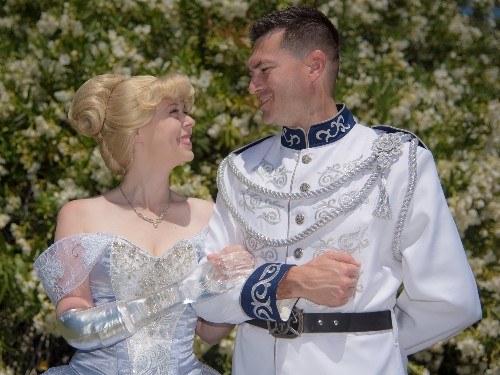 Amputee creates Cinderella costume with glass prosthetic arm - Business Insider