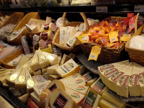 Is cheese linked to breast cancer? Doctors want a warning label - Business Insider