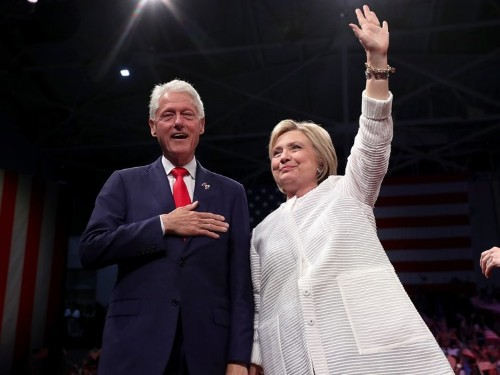 Arkansas lawmaker tries to remove Clinton's name from state airport, says it's embarrassing